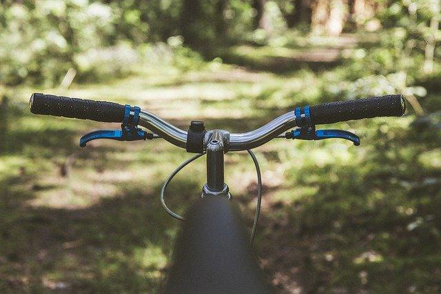 自転車で進む
